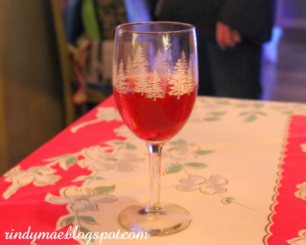 Rindy Mae: Pomegranate-Champagne Punch + Girl's Night