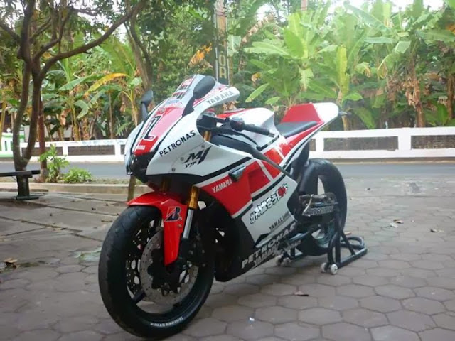 Modifikasi Yamaha Vixion M1 09