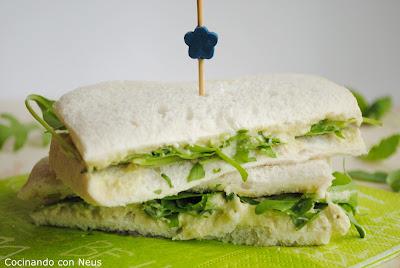 Sándwich de crema de langostino y aguacate