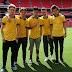 One Direction tira foto com a camiseta da Seleção Brasileira