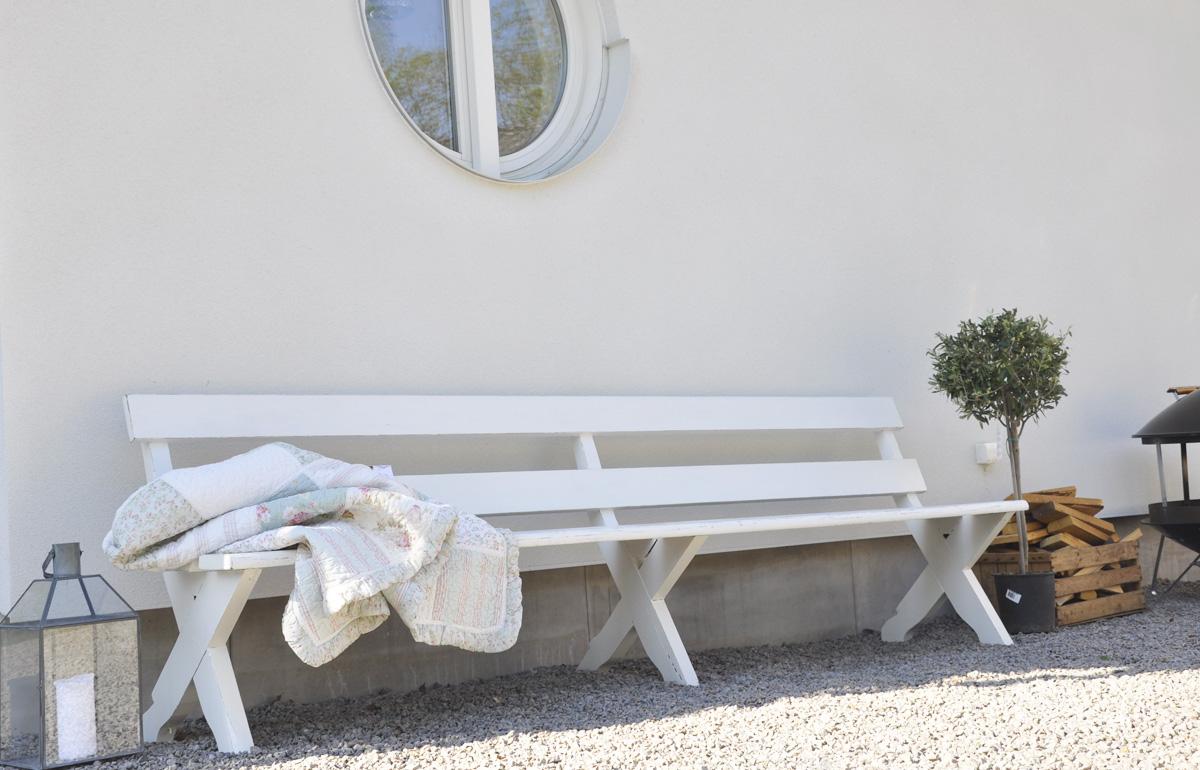 Husprojekt drömhus: innergården, butikens framsida.