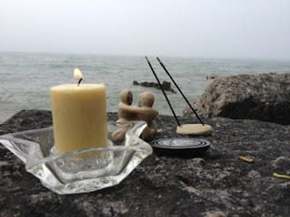 Beach altar as outdoor sacred space