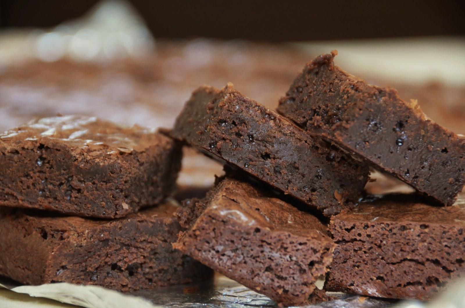 Deep dark chocolate brownies | Cheesy Pennies