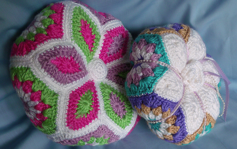 Crochet Patterns Pillows : Stitched Musings: Star Flower Pillow Crochet Pattern