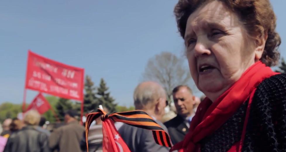 I comunisti hanno cercato di tenere May Day rally nonostante il divieto da parte delle autorità locali