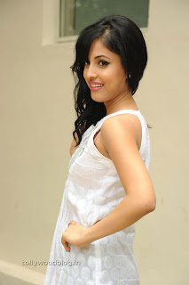 Kiss movie heroine Priya Benerjee Pictures 002.jpg
