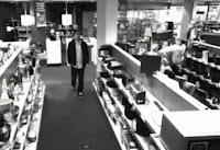 Ladrón roba televisión