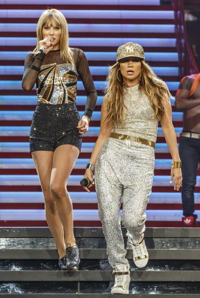 Taylor Swift y Jennifer Lopez comparten el escenario en Los Ángeles