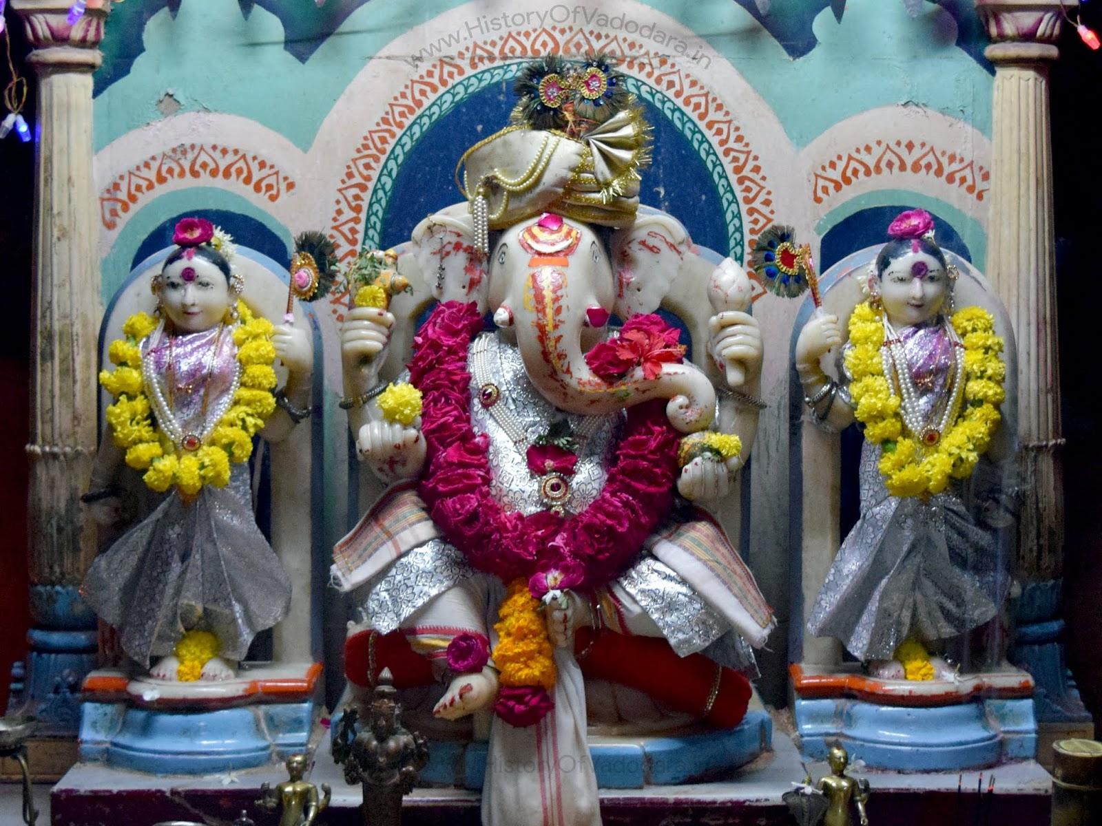 Shri Dhundiraj Ganpati Temple