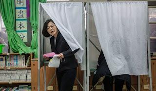 Ταϊβάν: Γυναίκα νέα πρόεδρος που κοιτά …κάπως την Κίνα