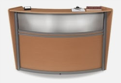 OFM Marque Desk with Plexi Screen