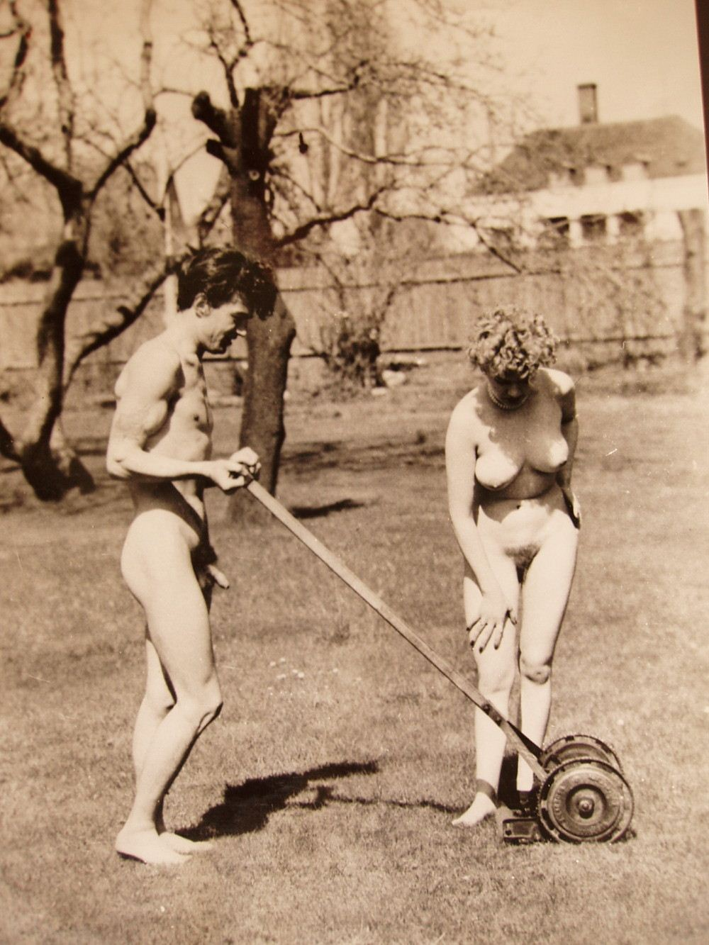 Yes, tomorrow is naked gardening day - Married And Flirting Chat