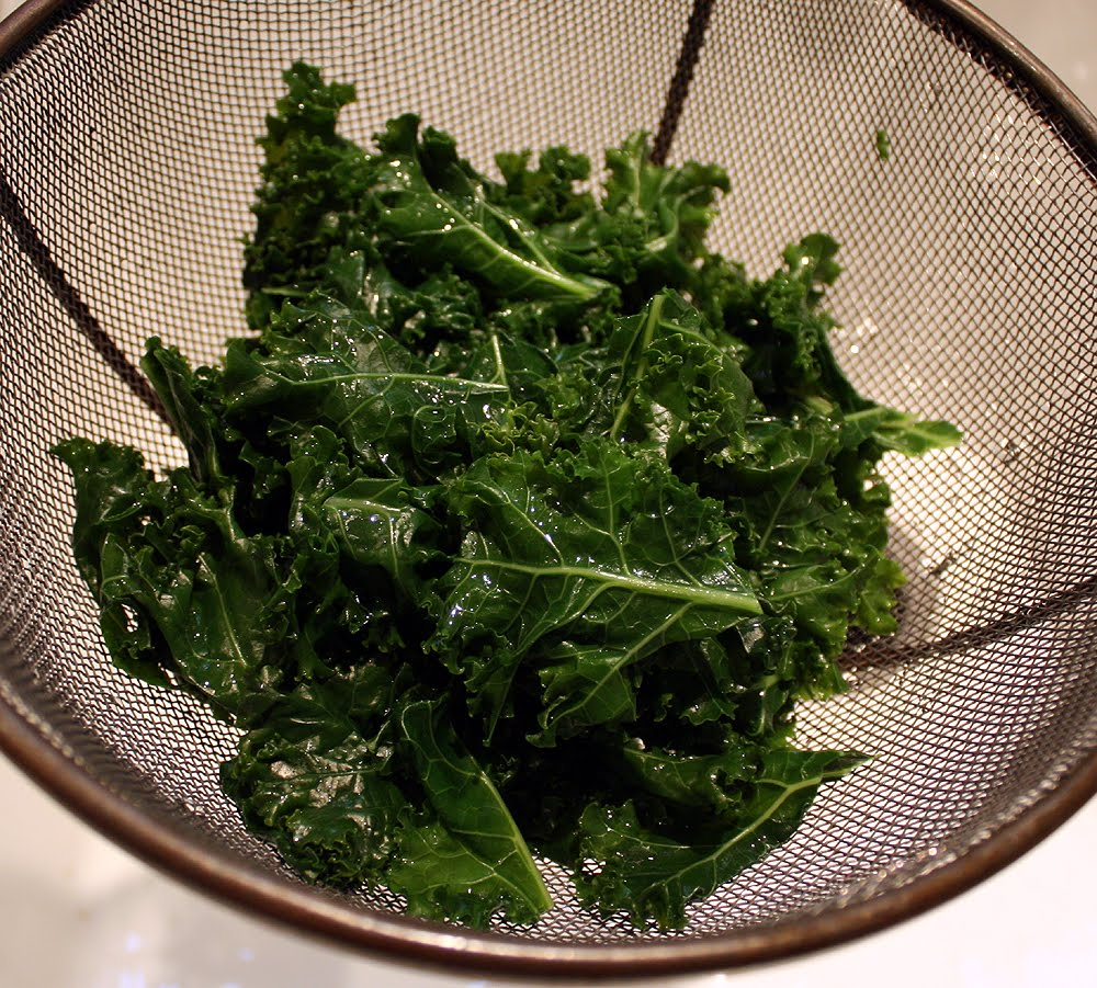 Is It Better To Eat Kale Raw Or Cooked