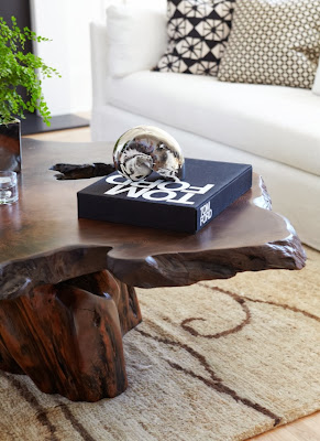 close look to the coffee table in the living room revealing its wood details