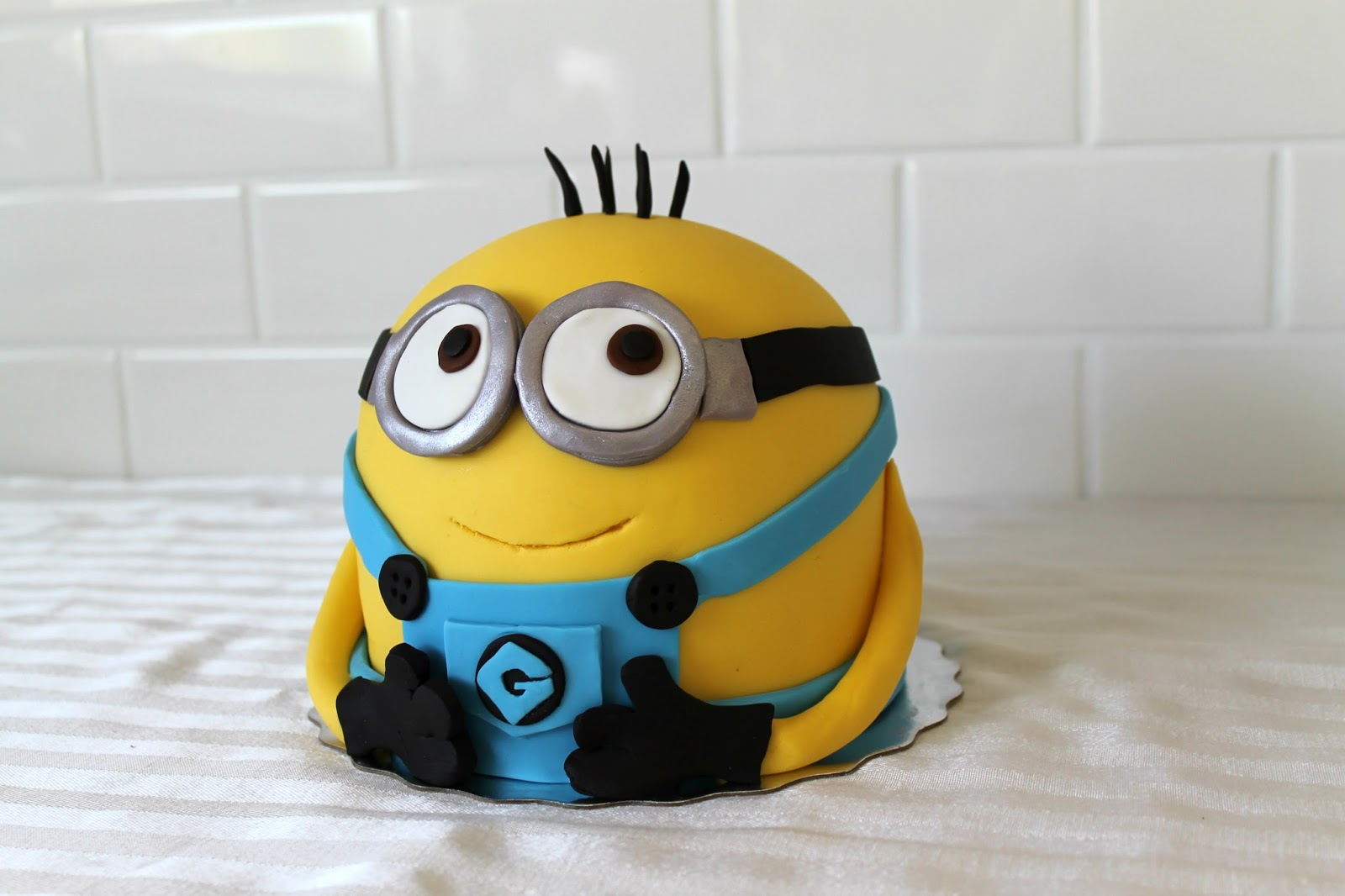 Cute Minion Cake Design 13 Incredibly Cute And Creative ...