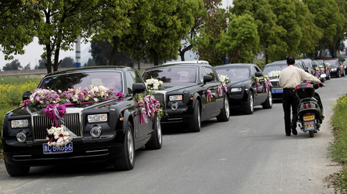 Nhiều cô dâu mơ ước về một chiếc xe hoa lộng lẫy, nhưng tôi chẳng nhớ gì về chiếc xe đón mình trong ngày cưới. Ảnh: st.