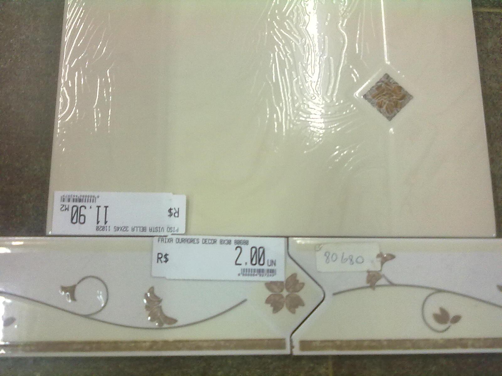 Adilson Simone e Lilica em construção!!!: Revestimentos de parede #474334 1600x1200 Banheiro Branco Com Faixa