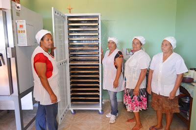 Mulheres de Ibicaraí conhecem experiências bem-sucedidas de cozinhas comunitárias