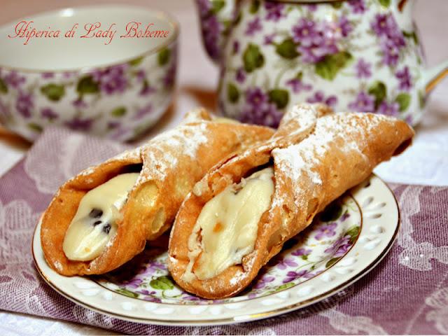 hiperica_lady_boheme_blog_di_cucina_ricette_gustose_facili_veloci_cannoli_fritti_con_crema_3