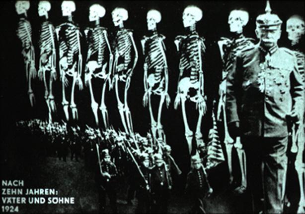 John Heartfield. Doctor Ojiplatico. Fotomontaje de entreguerras (1918–1939).Merrill C. Berman.Fundacion Juan March