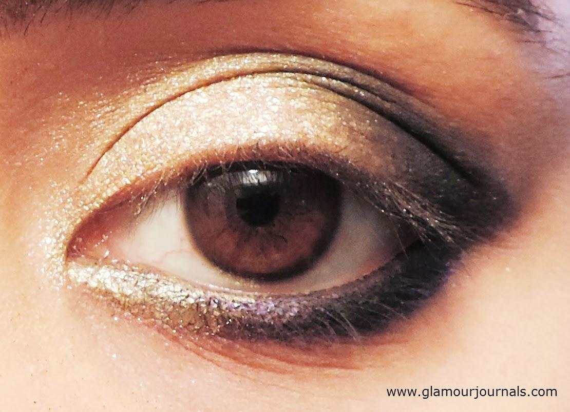 Black gold diwali smokey eye makeup tutorial makeup themed black gold diwali smokey eye tutorial indian makeup tutorial makeup themed around jewelry baditri Images