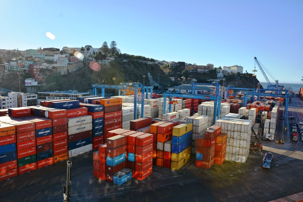Valparaiso city containers