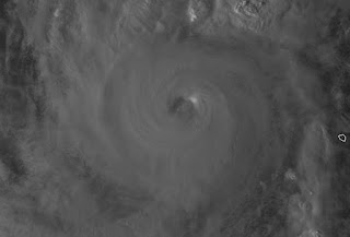 Hurrikan PAUL nahe Baja California, Mexiko ist ein major hurricane, Paul, major hurricane, aktuell, Sturmwarnung, Satellitenbild Satellitenbilder, Vorhersage Forecast Prognose, Pazifische Hurrikansaison, Hurrikansaison 2012, Oktober, 2012,