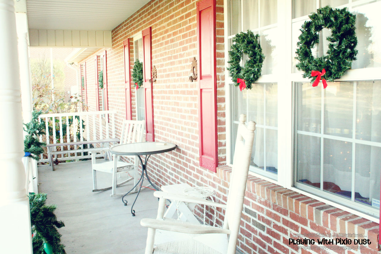 Pixie Chicks: Christmas Parade of Homes Linky Party