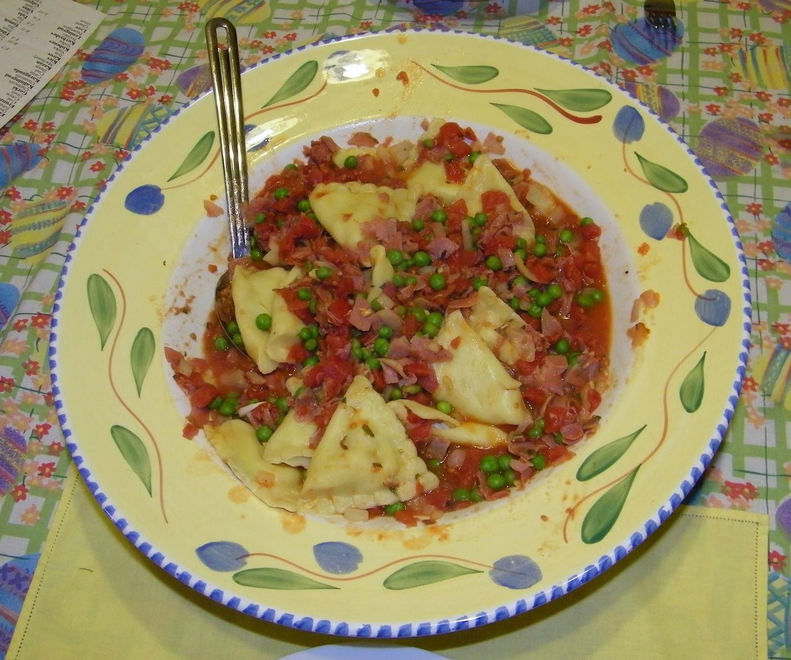 Costco Cuisine Pasta Prima Chicken Mozzarella Ravioli With Rachel Ray S Peas And Prosciutto Sauce