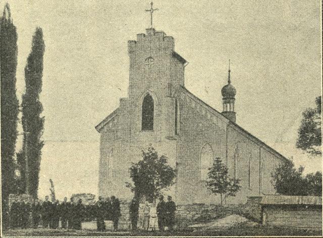 Kościół parafialny w Gielniowie pod wezwaniem bł. Ładysława. Fotografia z tygodnika Ziarno, nr 7 z 15.02.1907 r.