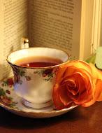 GONDOLATOK EGY CSÉSZE TEA MELLETT