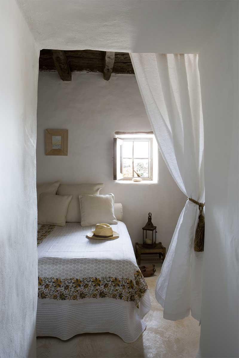 Una casa rustica en formentera rustic house in formentera - Cortinas casa rustica ...