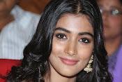 Pooja hegde glamorous photos-thumbnail-3