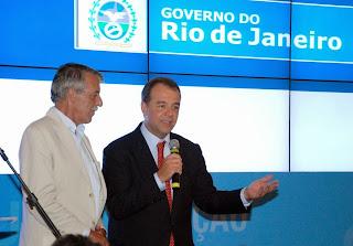 Secretário nacional de Defesa Civil, general Adriano Pereira Jr, com o governador Sérgio Cabral: união de forças para pronta resposta à população