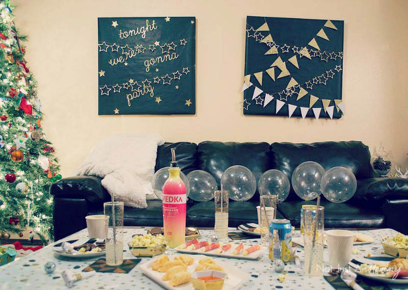 5 Easy New Year's Eve Party Tips; a few sparkly decorations go a long way