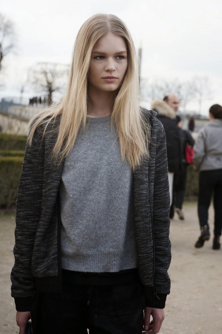 Nike Sweater Grey