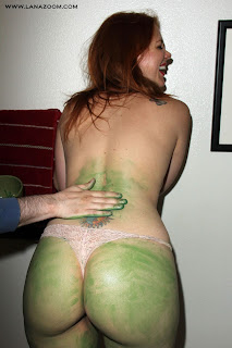 شاهد صور ميتلاند وارد عارية في زي لفيلم ستار تريك 2