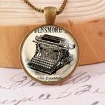 http://de.dawanda.com/product/25997065-Historische-Schreibmaschine---Vintagekette