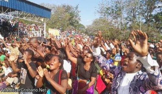 Cristianos de Zambia en jornada de ayuno y oración