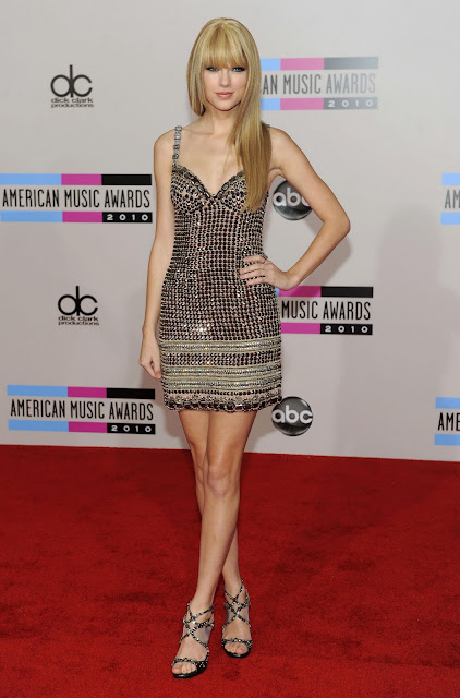 Taylor Swift   American Music Awards 2010 Red Carpet Los Angeles