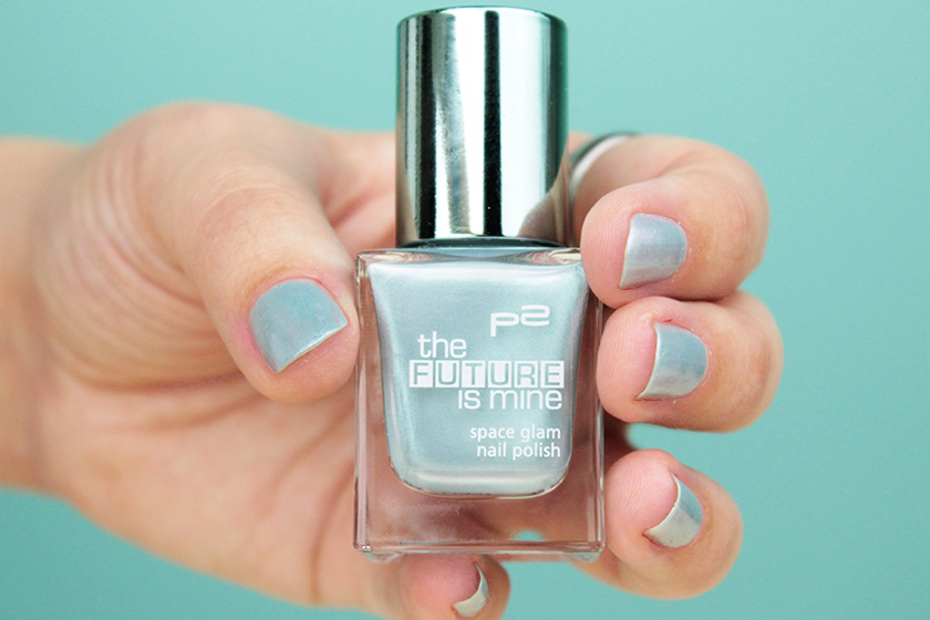 P2 the future is mine Nagellack getragen