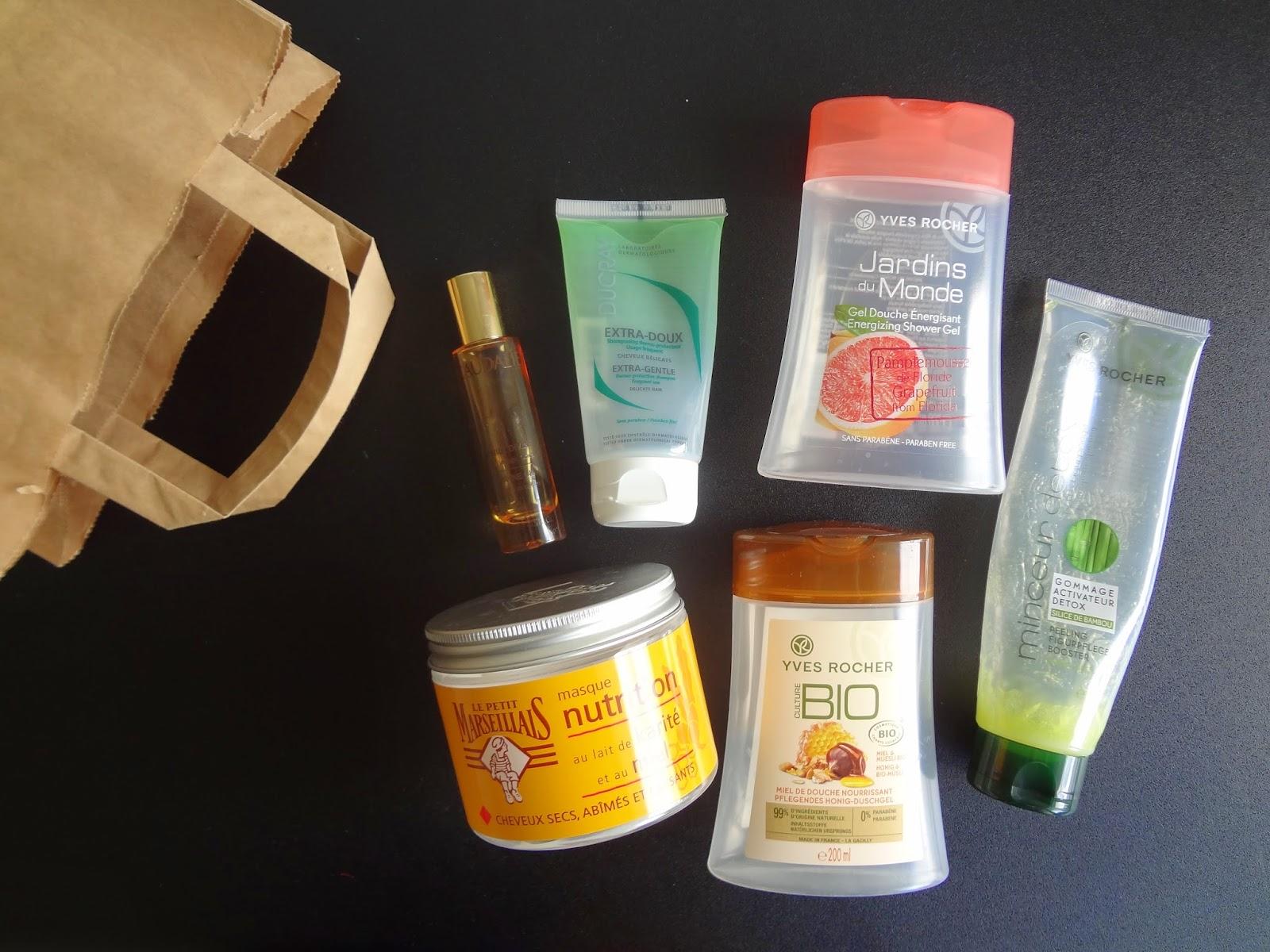 produits-termines-finis-empties-beauty-trash-caudalie-huile-divine-le-petit-marseillais-masque-cheveux-nutrition-ducray-shampoing-doux-yves-rocher-gel-douche-bio-miel-muesli-pamplemousse-gommage-minceur-detox