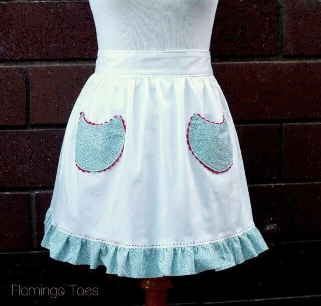 Free Simple Retro Christmas Apron, Flamingo Toes