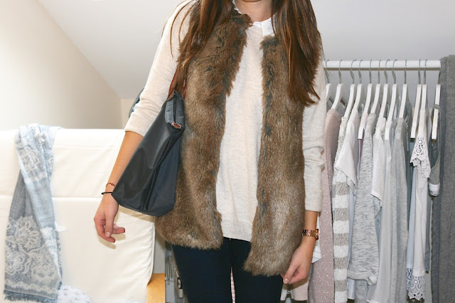 Katherine Penney Chic Blogger Fashion Style Outfit Preppy Autumn Fall Neutrals Classic