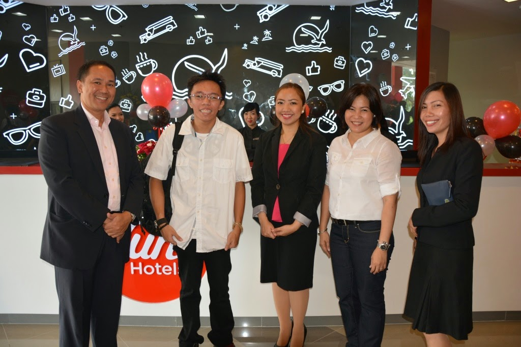 tune hotel marketing mix Product, strategies and tactics analysis  the first airasia 'no-frills' hotel, tune  analysis is a common component of organizational planning and marketing.