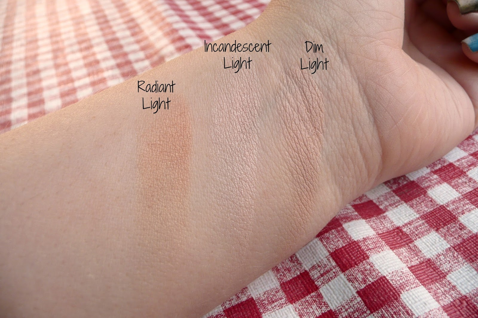 Hourglass Ambient Lighting Palette Swatch