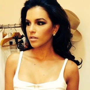 A atriz Mariana Rios dá suas dicas de styling