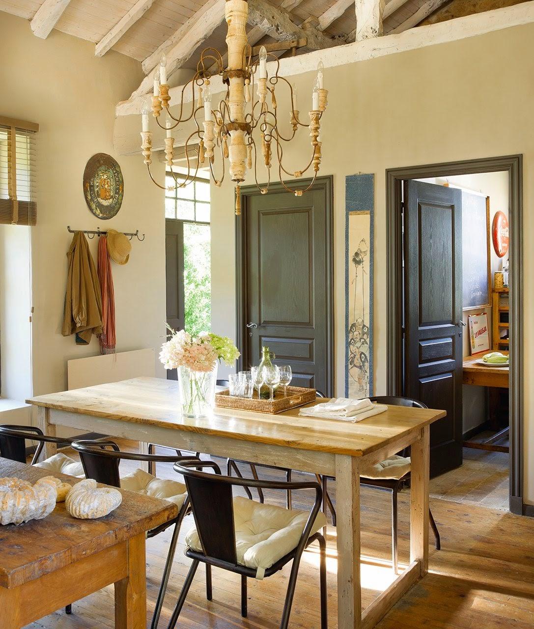 amenajari, interioare, decoratiuni, decor, design interior, stil rustic, reconversie, zid de piatra, sufragerie