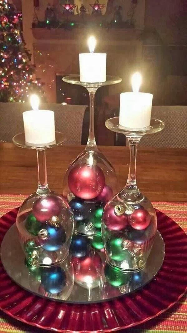 Gosto disto centros de mesa feitos com ta as de vinho for Adornos navidenos con copas y velas