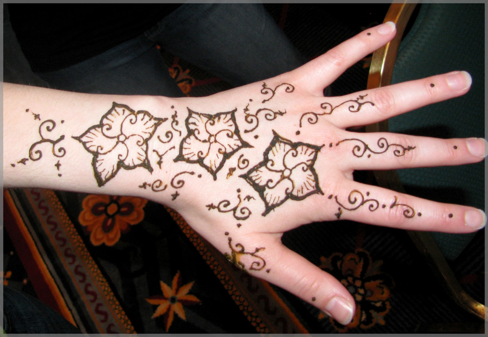 Uniq Arts And Dance RoundCon A Henna Photo Blog